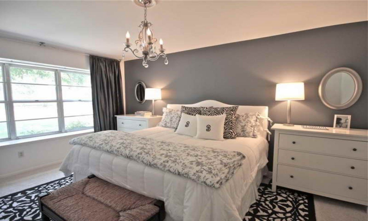 Best Chandeliers For Bedrooms Ideas Grey Bedroom Walls With With Pictures