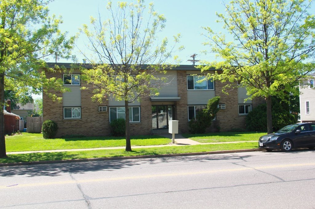 Best 610 5Th Ave Apartment 3 Uwec Student Apartment For Rent With Pictures