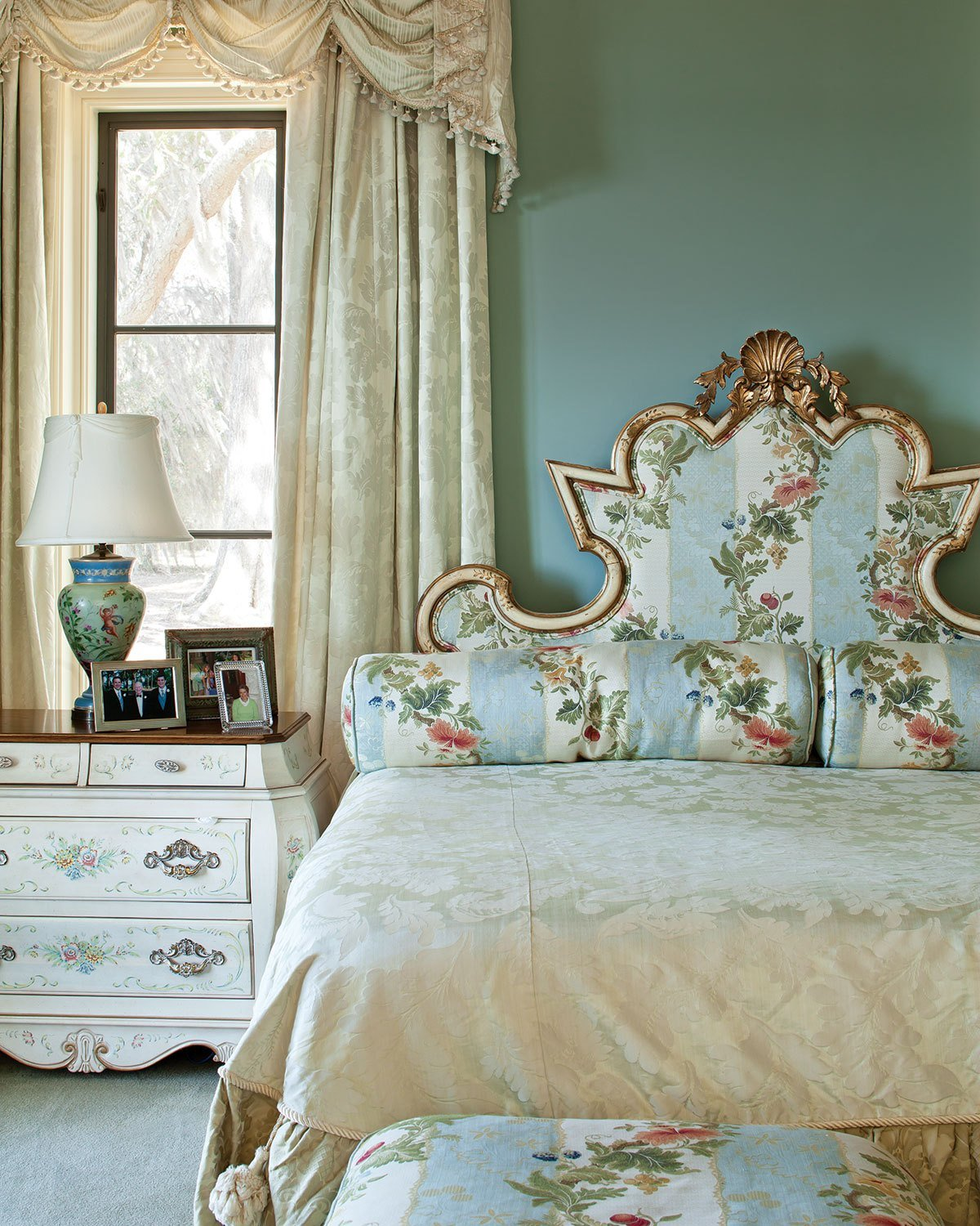 Best 10 Dreamy Southern Bedrooms Southern Lady Magazine With Pictures