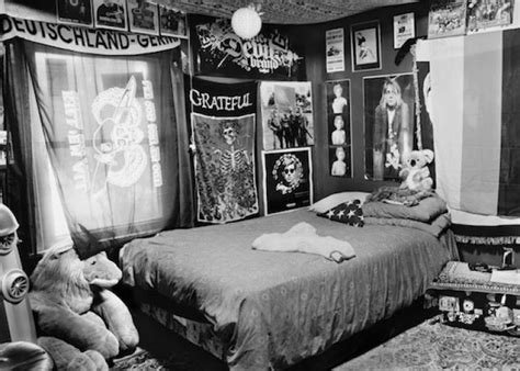 Best Ashley Gilbertson Bedrooms Of The Fallen Bedrooms Of Soldiers Killed In Iraq And Afghanistan With Pictures