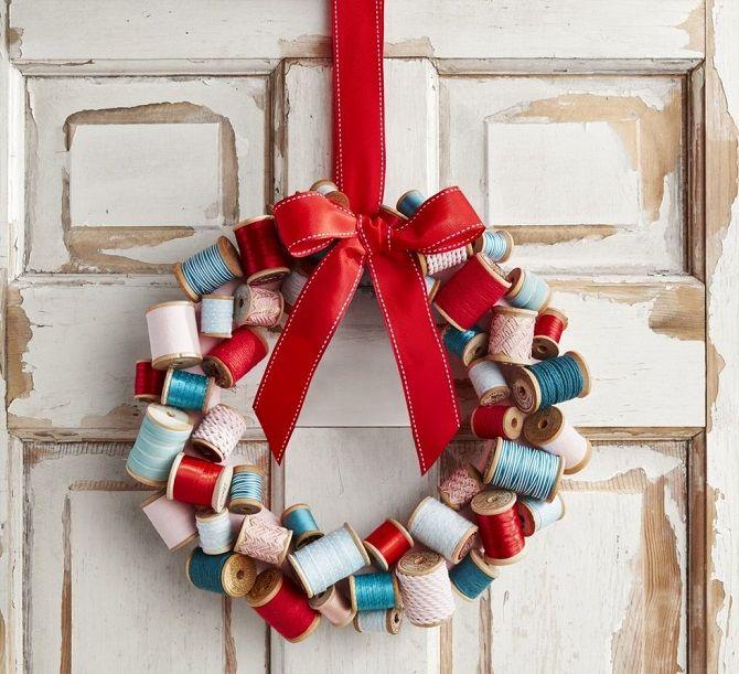 Рождестволық гүл шоқтары бар гүлдер: 5 стильді жаңа жылдық декор 2021 2