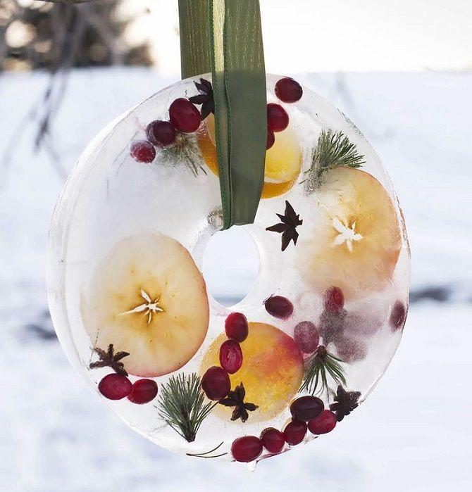 Рождестволық гүл шоқтары бар гүлдер: 5 сәнді жаңа жылдық декор 2021 6