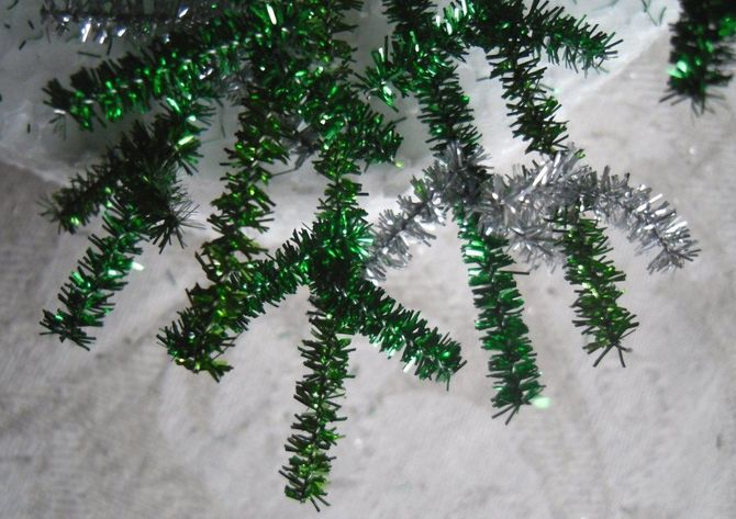 How to make a big Christmas tree with your own hands: ideas and workshops 7