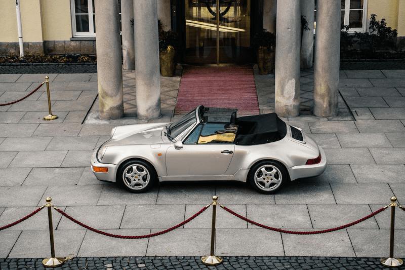 マラドーナが所有していたポルシェ911がオークションに出品 Diego Maradona's 1992 Porsche 911 type 964 WTL Auction  sale personal model car silver bonhams cabriolet el