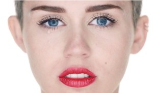 miley-cyrus-wrecking-ball-12