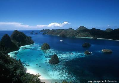 Top 20 Most Beautiful Places to Visit in Indonesia | Just ...