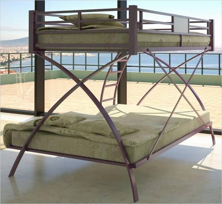 Ασυνήθιστο σχέδιο διπλού κρεβατιού