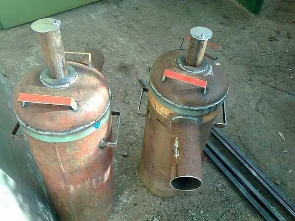 """Dois fogões """"bando"""" de cilindros"""