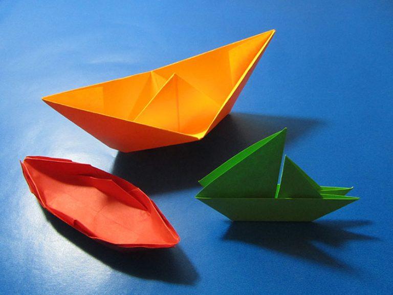 Hoe maak je een boot van papier? Instructie opvouwbare papieren boot doe het zelf fase 4