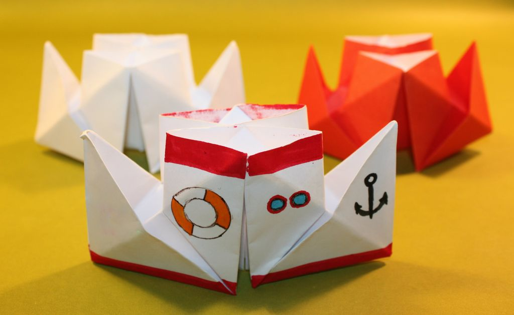Hoe maak je een boot van papier? Instructie opvouwbare papierboot Doe het zelf fase 7