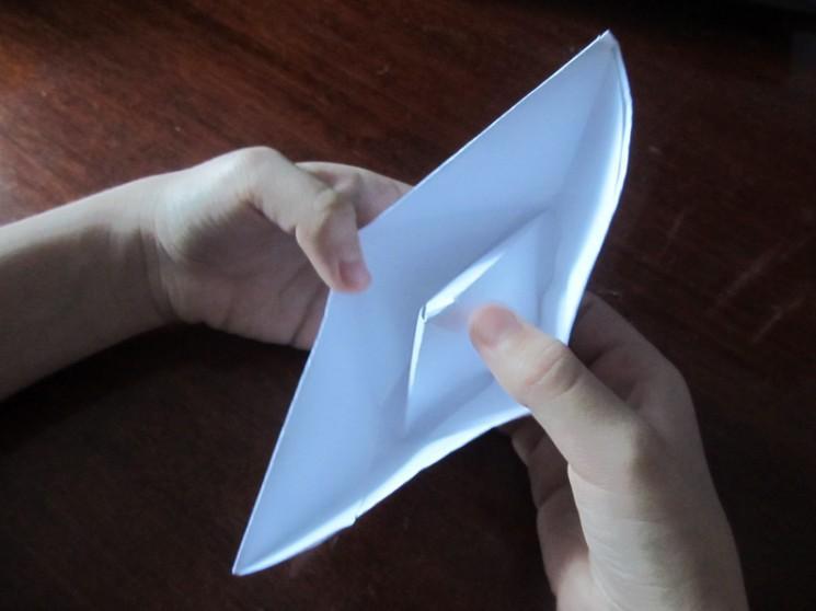 Hoe maak je een boot van papier? Instructie opvouwbare papieren boot Doe het zelf Stap 25