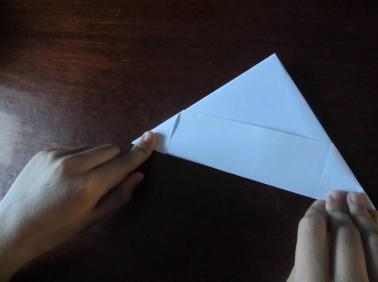 Как сделать кораблик из бумаги? Инструкция складывания бумажного кораблика своими руками этап 16