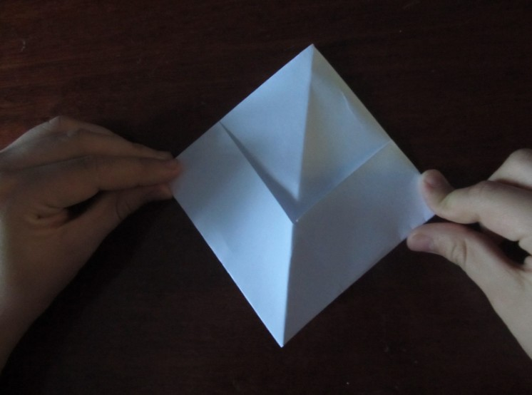 Как сделать кораблик из бумаги? Инструкция складывания бумажного кораблика своими руками этап 18