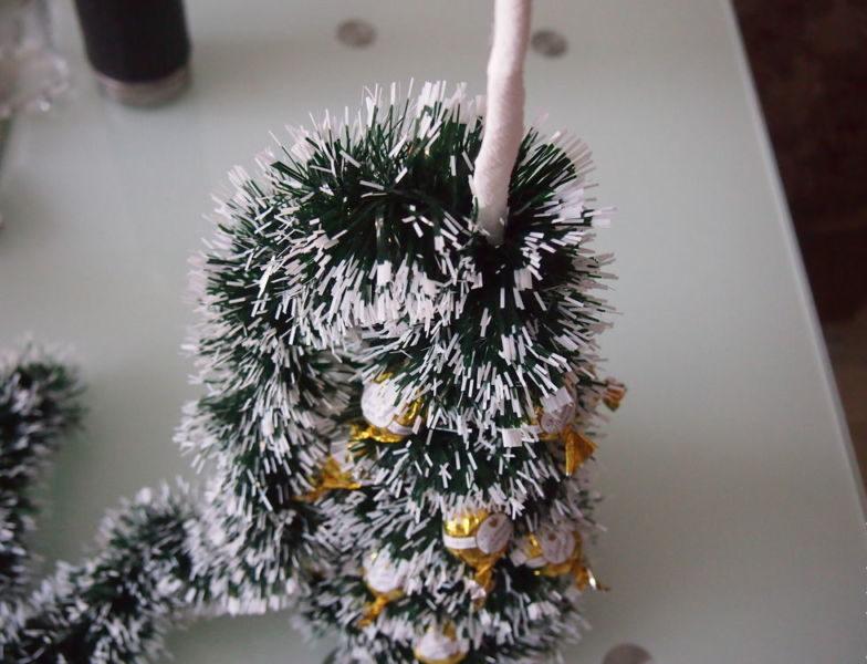 Жаңа жылдық шыршасы бар жаңа ағаш & # 8212; Фото идеялар және мастер-кластар 70-кезең