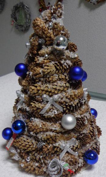 Árvore de Natal com as mãos para o ano novo e # 8212; Ideias fotográficas e mestres estágio 55