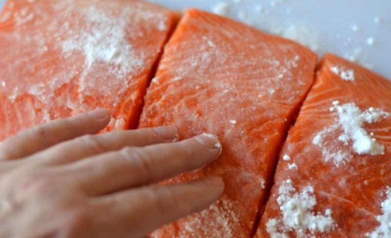 Salmon sốt muối thấp & # 8212; 7 công thức nấu ăn Salting Cá hồi tại sân khấu 20