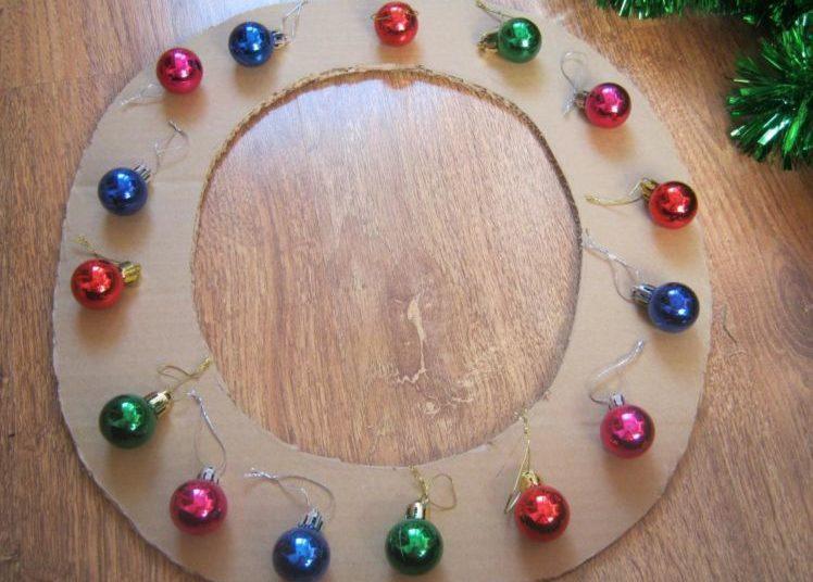 Жаңа жылдық гүл шоқтарын өзіңіз жасайды. Үйде гүл шоқтарын өндіруге арналған 12 шеберлік сабағы 4