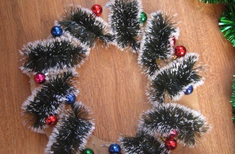 Новогодний венок своими руками. 12 мастер-классов по изготовлению венков в домашних условиях этап 7