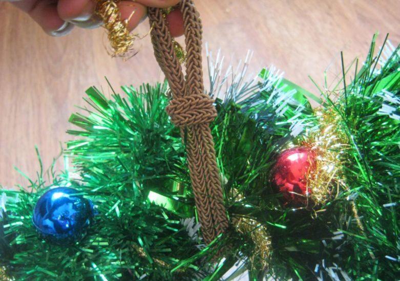 Жаңа жылдық гүл шоқтарын өзіңіз жасайды. Үйге арналған гүл шоқтары үшін 12 шеберлік сабағы 10