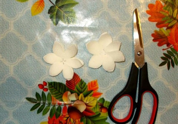 वेलेंटाइन डे के लिए DIY अपने हाथों से अपने हाथों के साथ: 14 फरवरी चरण 98 को शिल्प के सबसे सुंदर विचार