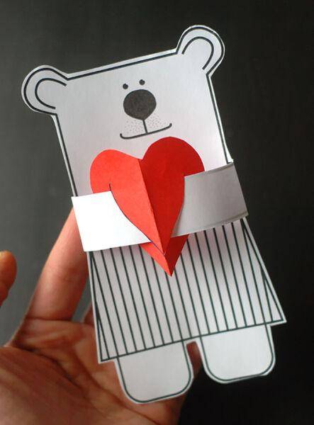 वेलेंटाइन डे के लिए DIY इसे अपने बच्चों के लिए करें: 14 फरवरी को शिल्प के सबसे सुंदर विचार 31