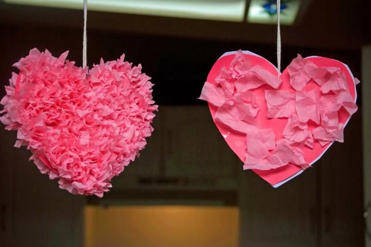 वेलेंटाइन डे के लिए DIY इसे अपने बच्चों के लिए करें: 14 फरवरी चरण 11 को शिल्प के सबसे सुंदर विचार