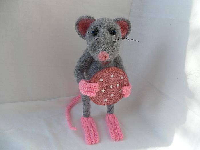 Πλέκω ποντίκια και αρουραίοι με διαγράμματα και περιγραφές. Amigurumi παιχνίδια μάστερ για αρχάριους στάδιο 56