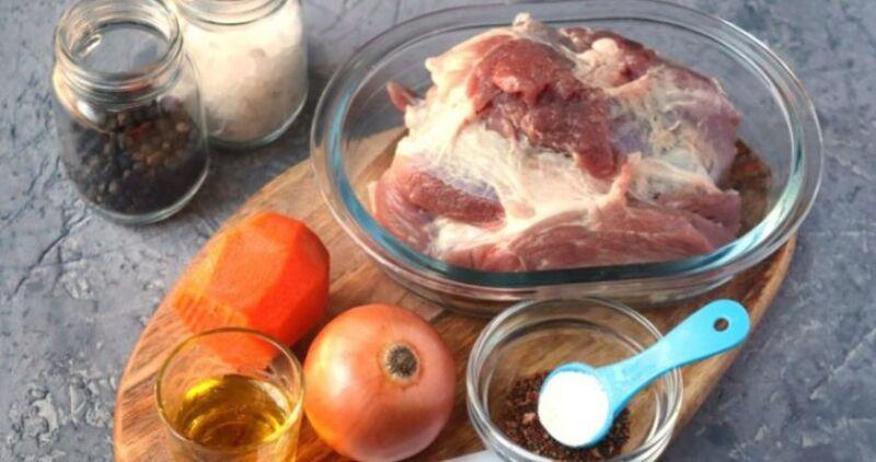 Carne de porco em uma frigideira: 9 Receitas simples e saborosa Estágio 24