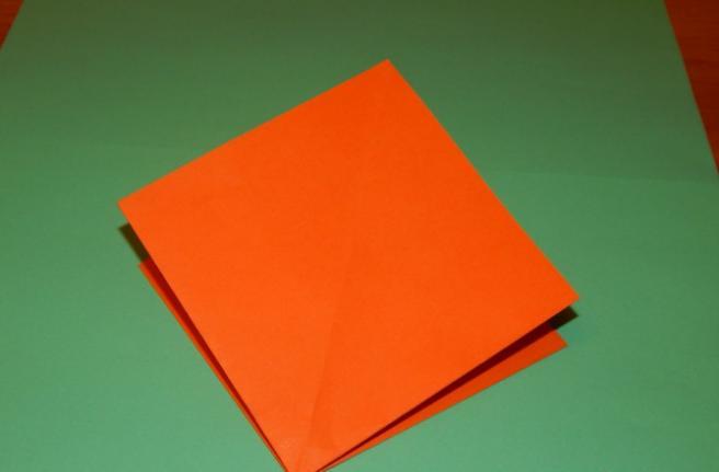 Paper Flowers & # 8212; Mga scheme at mga template para sa paglikha ng mga kulay ng papel na yugto 85.