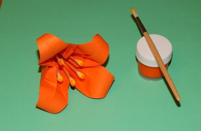 Paper Flowers & # 8212; Mga scheme at mga template para sa paglikha ng mga kulay ng papel na yugto 115.