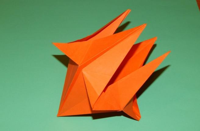 Paper Flowers & # 8212; Mga scheme at mga template para sa paglikha ng mga kulay ng papel na yugto 102.