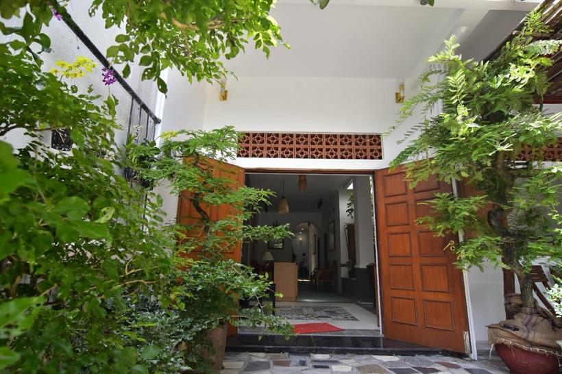 Long homestay mang phong cách bán cổ điển ở Phú Yên