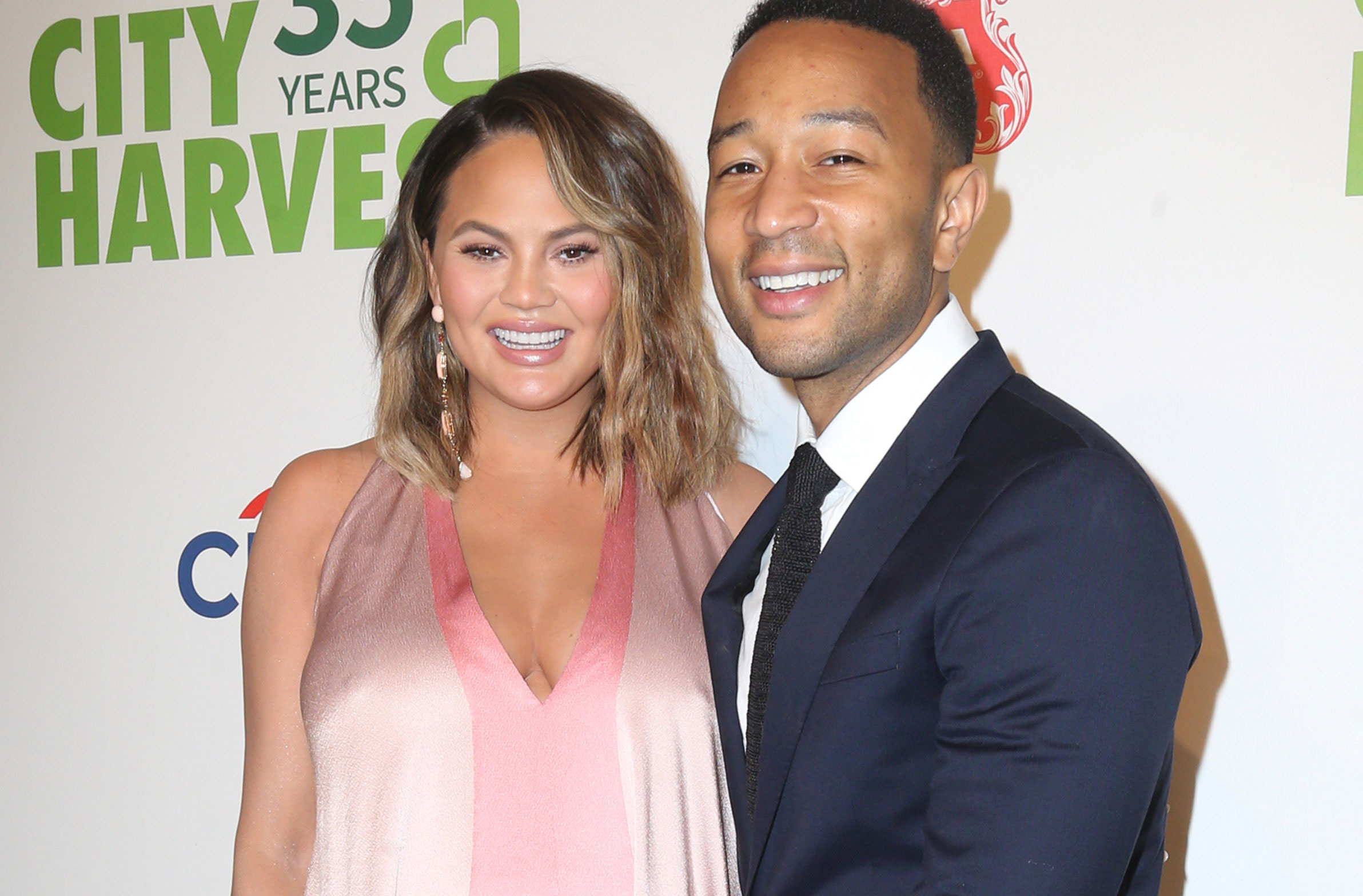 John Legend Praised For Sharing Picture Of Wife Chrissy