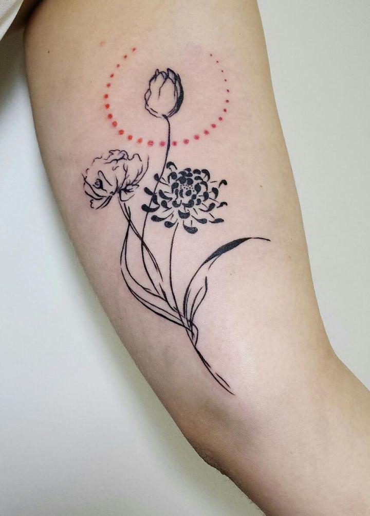Aline Wata S Tattoos Beautifully Combine Geometric