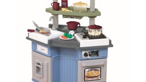 Little Tikes Sizzle 'N Pop Kitchen Review : Pros And Cons