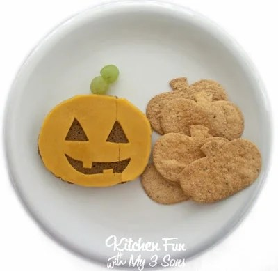 Halloween Pumpkin Jack-O-Lantern Lunch from KitchenFunWithMy3Sons.com