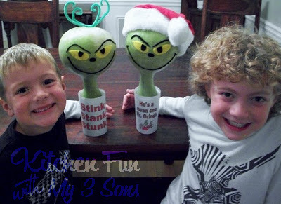 How to make The Grinch using a Gourd for a fun Christmas Craft!