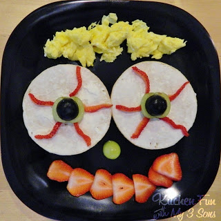 Eerie Eyeball Bagels With Face