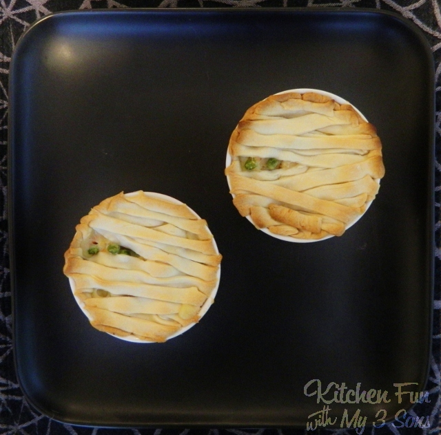 Easy Mummy Chicken Pot Pie...such a fun Halloween Dinner to make the Kids that takes just minutes to make!