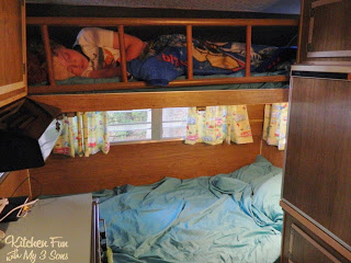 Here is the other bunk in use on the other side