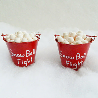 Easy Snow Ball Fight Christmas Craft