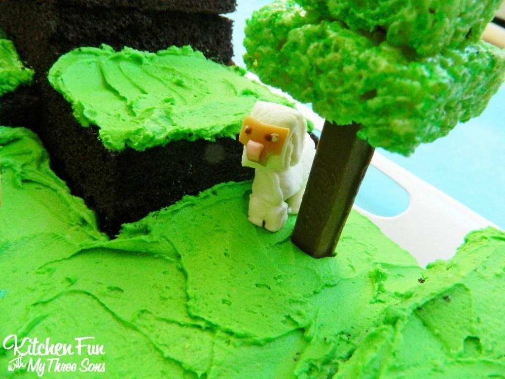 Easy Minecraft Birthday Party Cake Sheep