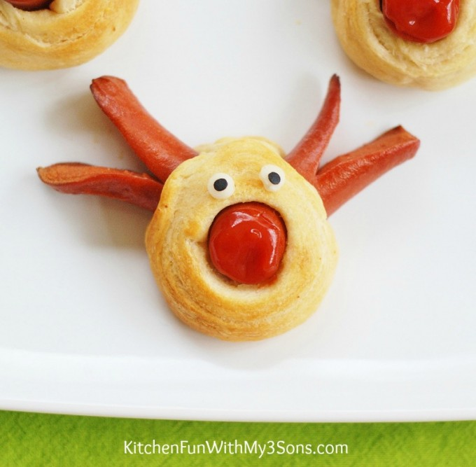 Rudolph-the-Red-Nose-Reindeer-Hot-Dog-for-Christmas-3