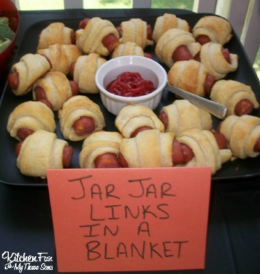 """Star Wars Jar Jar Binks Hot Dogs """"Binks in a Blanket"""""""