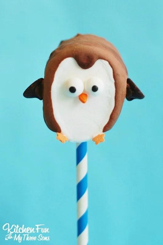 Easy-Marshmallow-Penguin-Pops-2