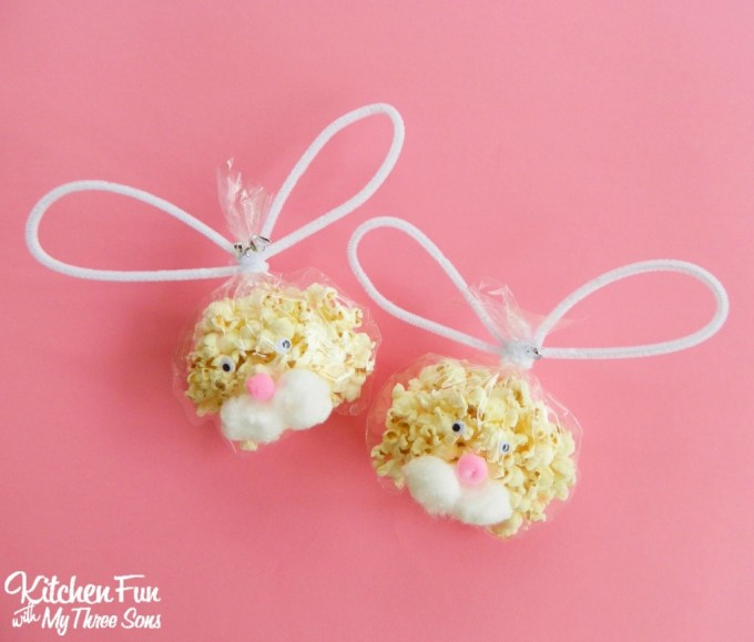 Easter Bunny Popcorn Bags...a fun class party idea for the kids for Easter class parties from KitchenFunWithMy3Sons.com
