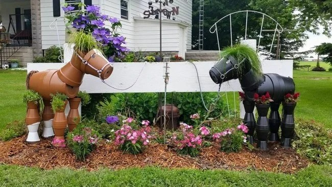DIY Clay Pot Horse Garden Planters