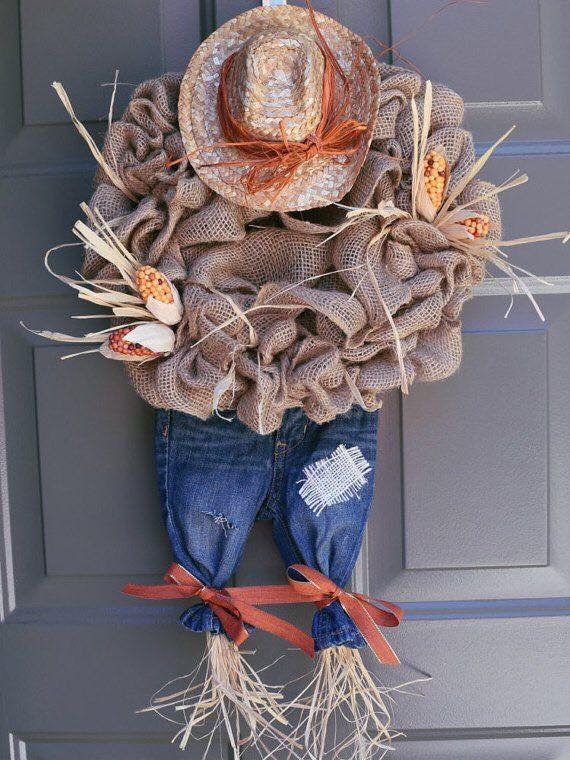 Scarecrow Wreath...these are the BEST DIY Fall Decorations & Craft Ideas!