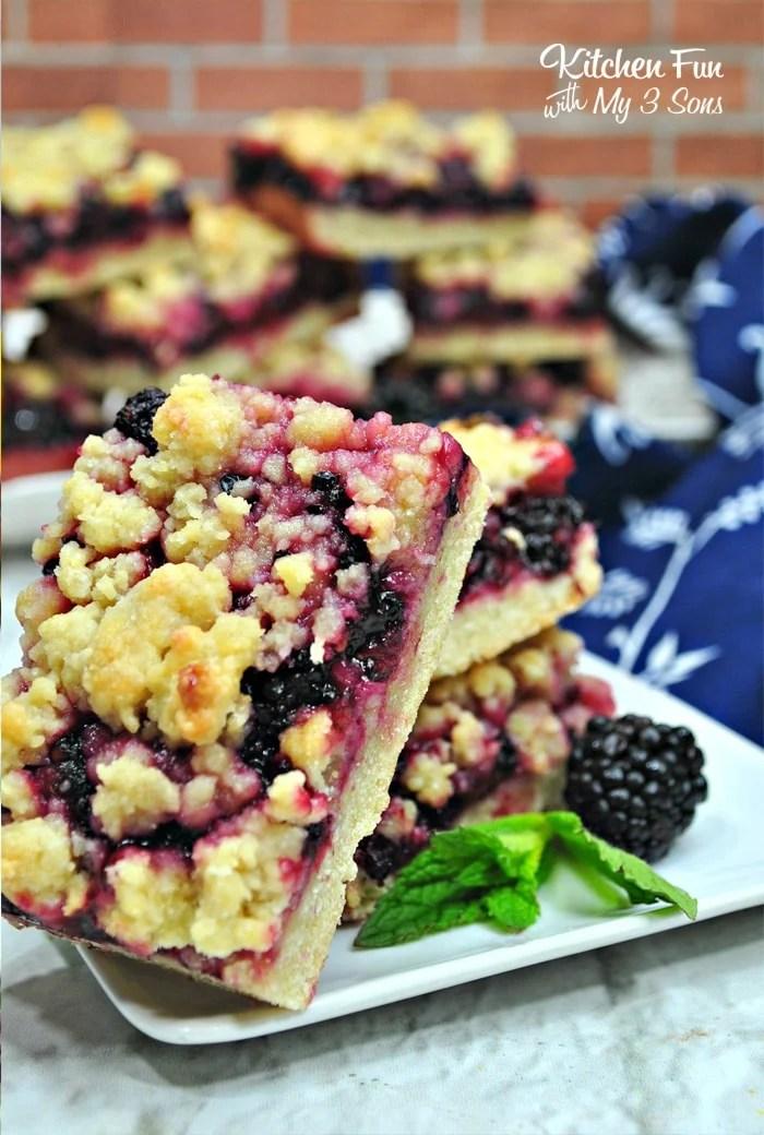 Blackberry Pie Crumble Bars