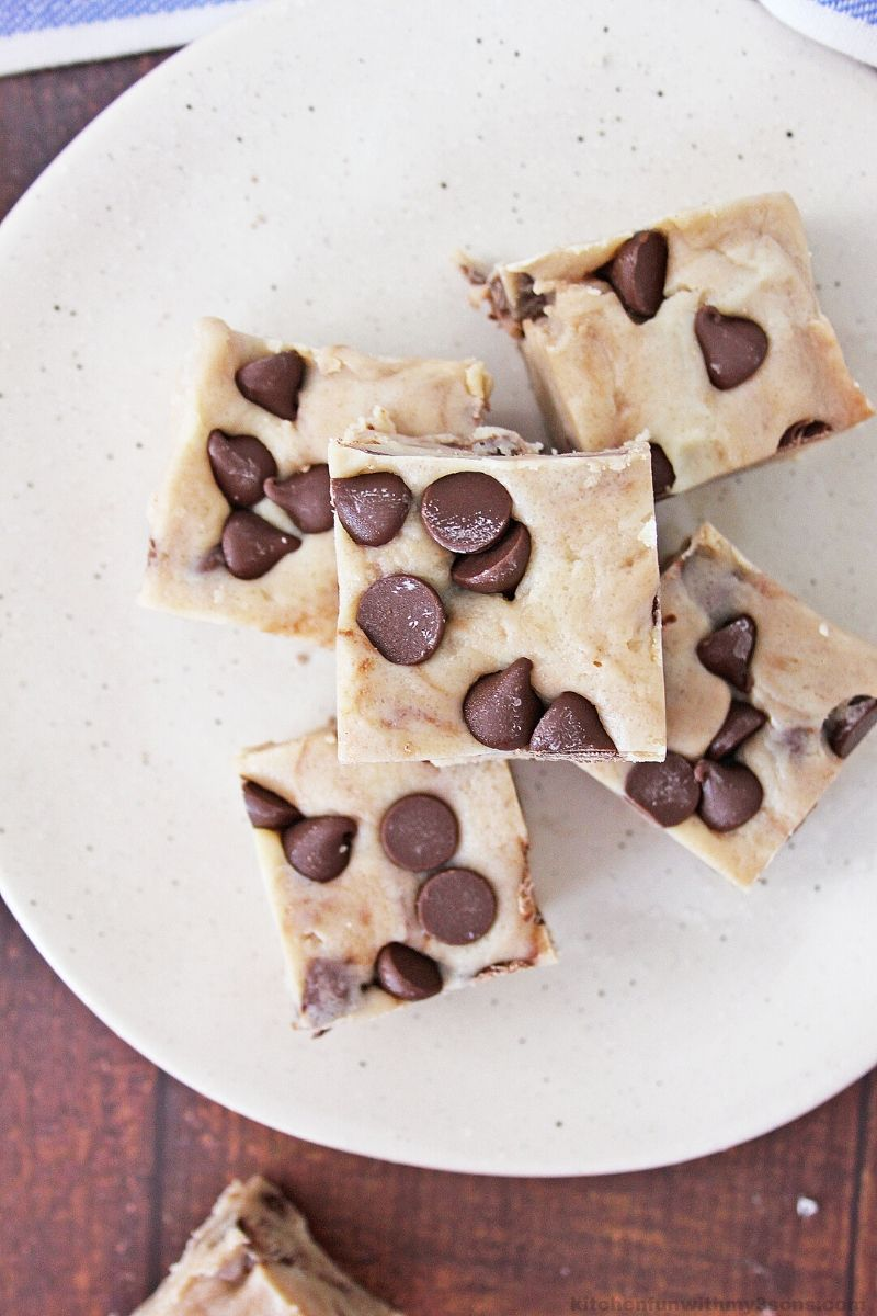 chocolate chip cookie dough fudge on a plate